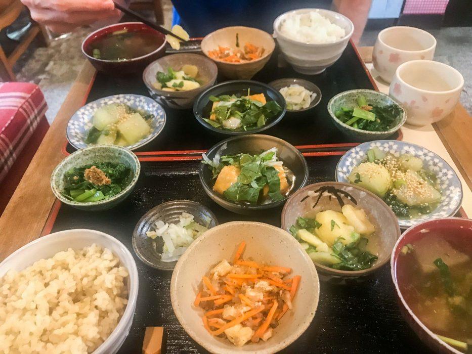 Déjeuner végétarien au Milk Land, Tokyo