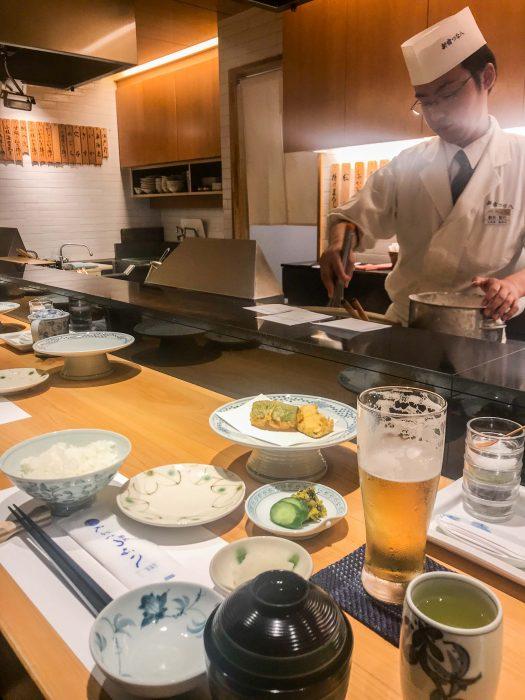 Set déjeuner Tsunahachi tempura, idéal pour les végétariens à Shinjuku