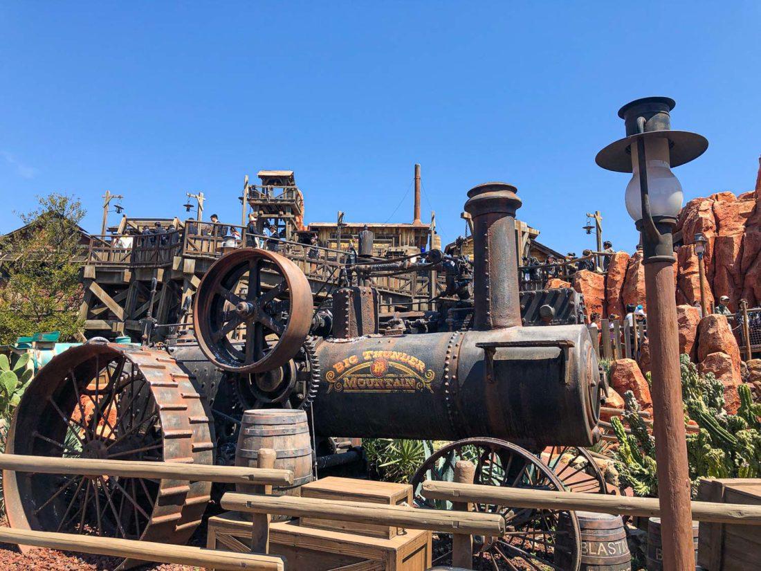 Big Thunder Mountain, une des principales attractions de Tokyo Disneyland