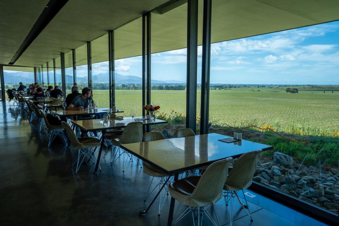 Brancott Estate restaurant avec vue sur les vignobles de Marlborough, Nouvelle-Zélande