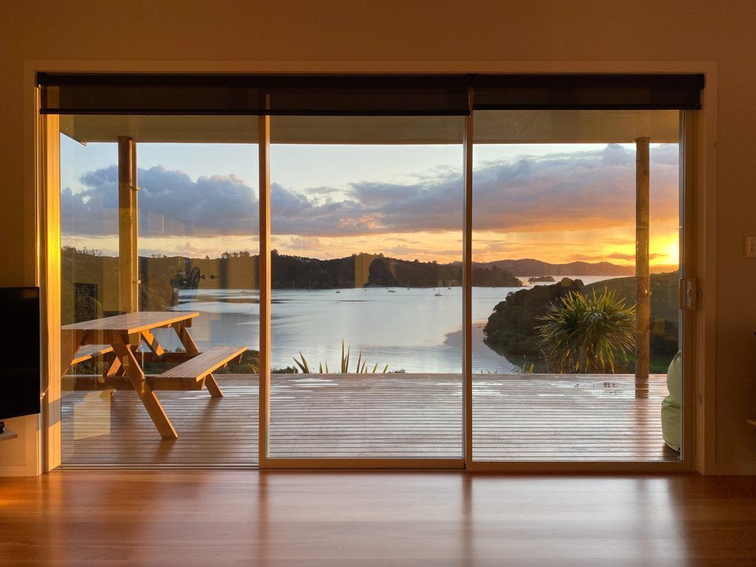 Coucher de soleil dans notre Airbnb dans la baie des îles