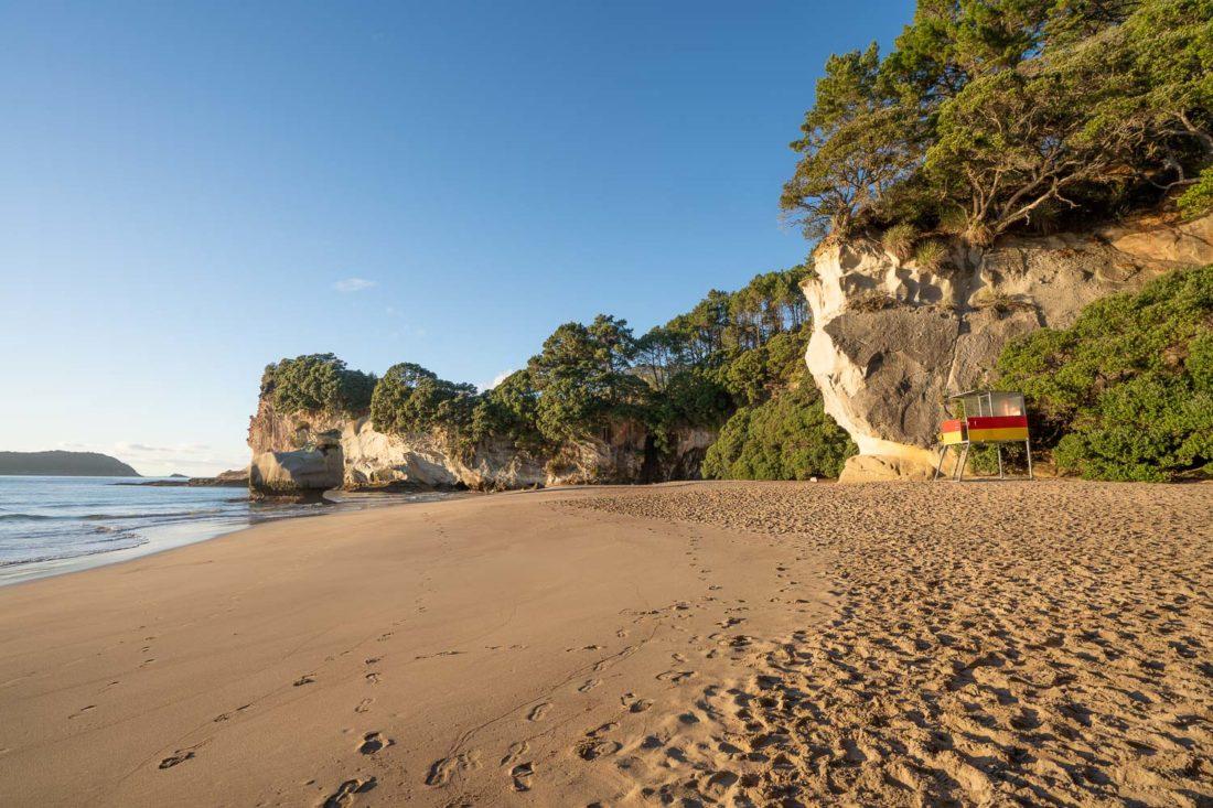 Mares Leg Cove Beach à côté de Cathedral Cove en Nouvelle-Zélande