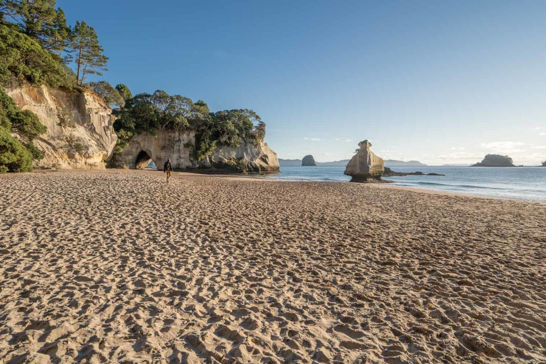 Mares Leg Cove en direction de Cathedral Cove
